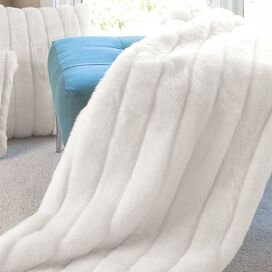 Signature Series Winter White Mink Throw
