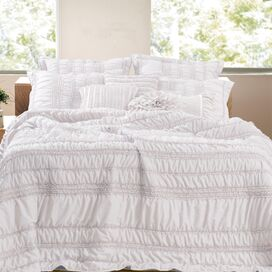 Tiana Ruched Bonus Quilt Set in White