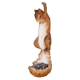 Snappy Squirrel Feeder