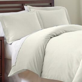 3-Piece Maureen Duvet Cover Set in Ivory