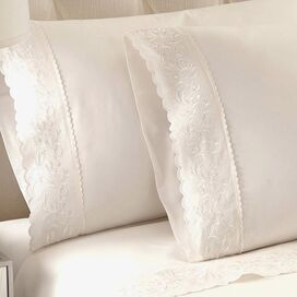 Jasmine Sheet Set in White