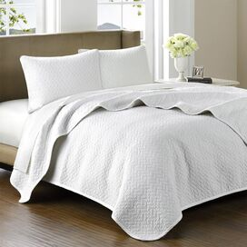 Huntington Coverlet Set in White