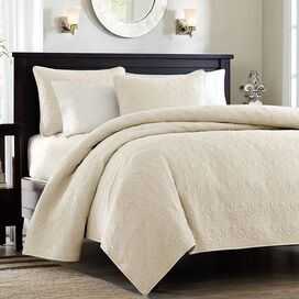 3-Piece Quebec Quilt Set in Ivory