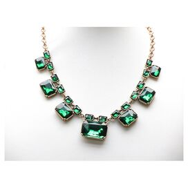 Elizabeth Necklace in Emerald