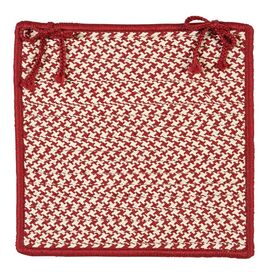 Houndstooth Indoor/Outdoor Chair Pad in Sangria