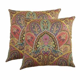 Jessica Pillow in Gemstone